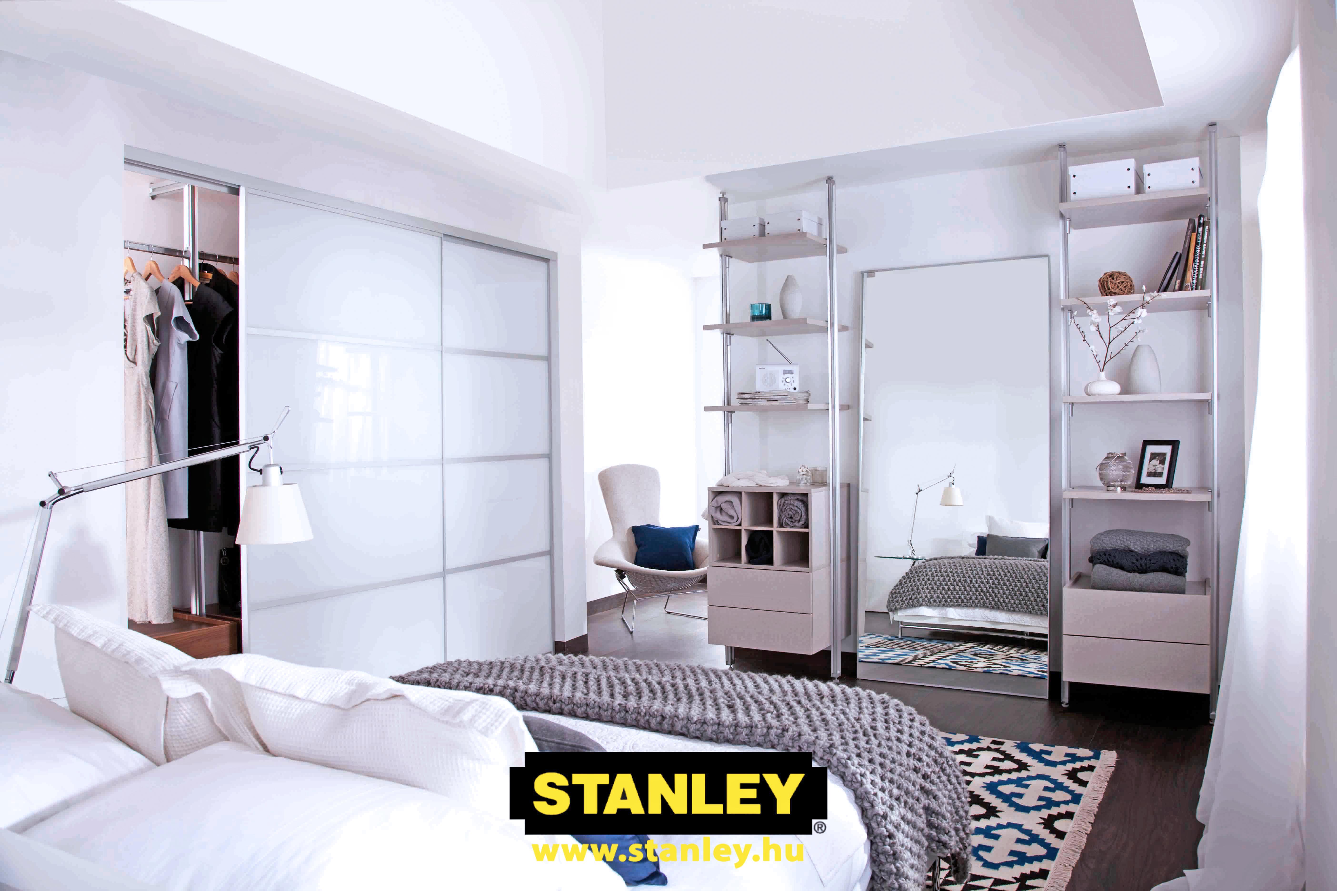 Tolóajtós szekrény, Tejüveg Stanley tolóajtó