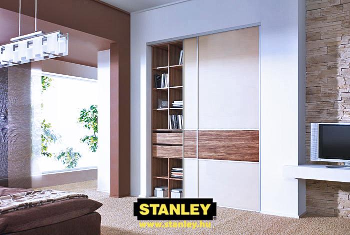 Beépített szekrény osztott Stanley tolóajtóval