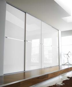 Beépített szekrény fehér üveges Minimalist tolóajtóval, egy osztással - Stanley