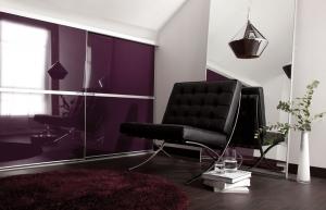 Beépített szekrény lila üveges Minimalist tolóajtóval - Stanley 2