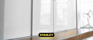 Gardróbszekrény fehér üveges Minimalist tolóajtókkal - Stanley