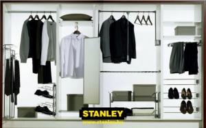 Tolóajtós szekrény belső elrendezése bútorlapos kialakítással - Stanley 4