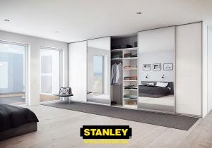 Tolóajtós szekrény belső elrendezése bútorlapos kialakítással - Stanley 5