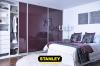 Hálószobai gardrób beépítés lila üveges Stanley tolóajtóval